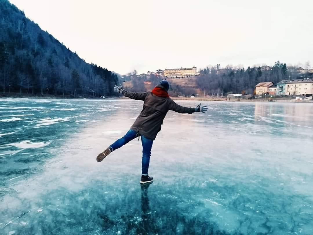 lago lavarone winter